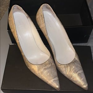 Gucci Gold Snake Pumps size 9 EUC